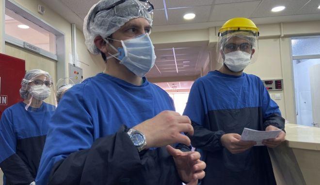 Τούρκοι γιατροί