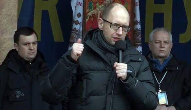 Ουκρανία: Στον Γιατσένιουκ για πρωθυπουργό συμφώνησε η Βουλή