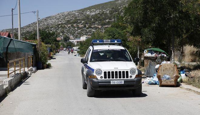 Μεγάλη επιχείρηση της αστυνομίας κοντά στην περιοχή του στρατοπέδου Καποτά στο Μενίδι,με την συμμετοχή ΜΑΤ,ΕΚΑΜ και ΟΠΚΕ,Δευτέρα 3 Ιουλίου 2017 (EUROKINISSI/ΣΤΕΛΙΟΣ ΜΙΣΙΝΑΣ)