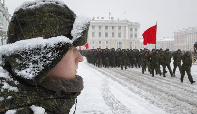 Στιγμιότυπο από την στρατιωτική παρέλαση
