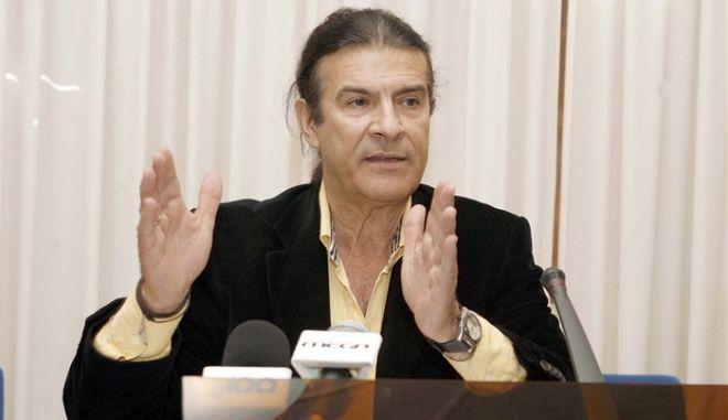 """Κουράκης: Τέλος στην Τράπεζα Θεμάτων, επιστρέφουν οι """"αιώνιοι"""""""
