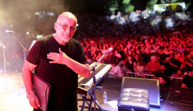 Θάνος Μικρούτσικος: Χιλιάδες άνθρωποι στον αστερισμό του μεγάλου μουσικοσυνθέτη