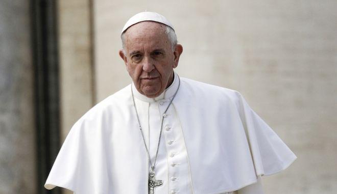 Ο πάπας Φραγκίσκος θα επισκεφτεί την Αίγυπτο στα τέλη Απριλίου
