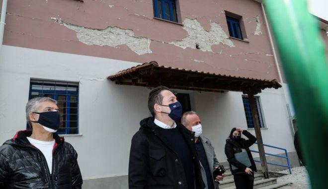 Επίσκεψη του αναπληρωτή υπουργού Εσωτερικών Στέλιου Πέτσα στο Δαμάσι Ελασσόνας (φωτό αρχείου)