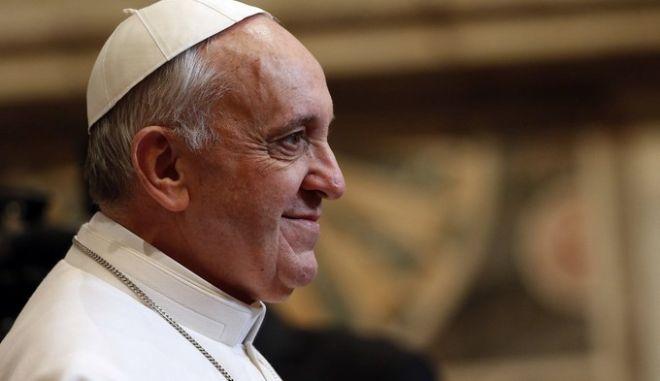 Συνελήφθη 15χρονος που ετοίμαζε επίθεση κατά του πάπα