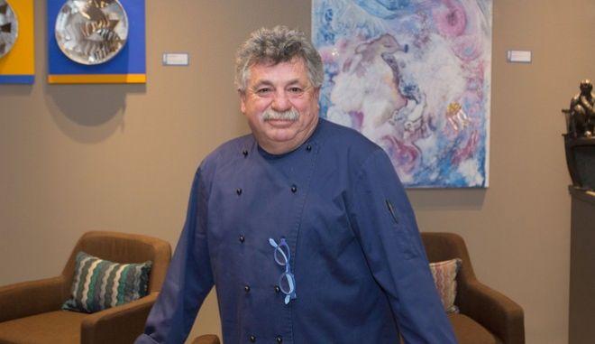 Ο σεφ Λευτέρης Λαζάρου