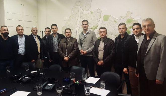 Επαφές Κώστα Μπακογιάννη με αξιωματικούς και φρουρούς της ΕΛ.ΑΣ.