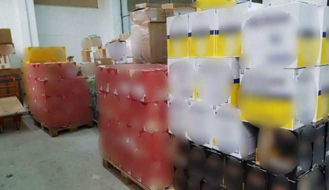 Συλλήψεις για λαθρεμπόριο ποτών στον Κορυδαλλό