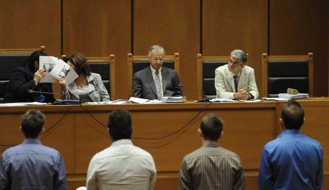 """Δίκη της """"Χρυσής Αυγής"""" στην αίθουσα του Εφετείου Αθηνών την Παρασκευή 14 Οκτωβρίου 2016. (EUROKINISSI/ΤΑΤΙΑΝΑ ΜΠΟΛΑΡΗ)"""