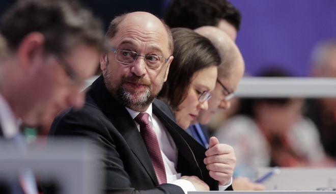 Γερμανία: Διάλογο με την Μέρκελ εισηγείται ο Σουλτς