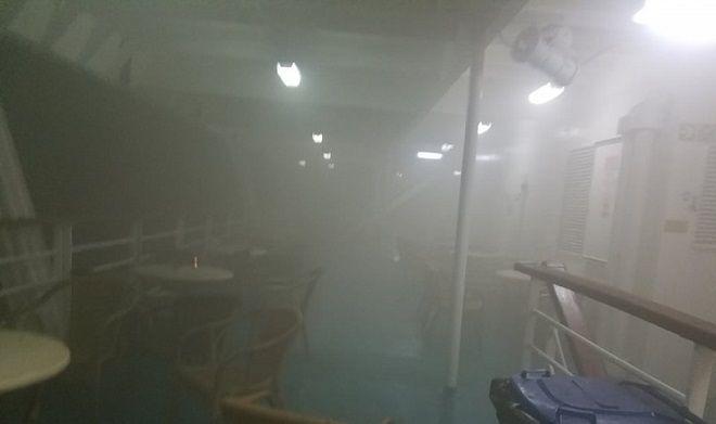 Φωτογραφία μέσα από το φλεγόμενο πλοίο Ελευθέριος Βενιζέλος