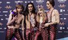 Οι Maneskin με το τρόπαιο της Eurovision ανά χείρας