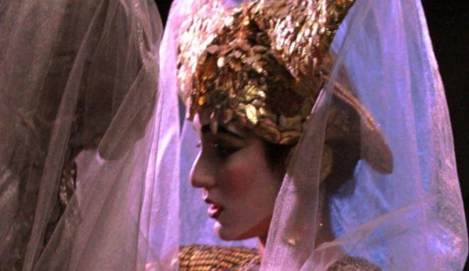 """Η """"τρικυμία"""" του Σαίξπηρ σε σκηνοθεσία Μαρίας Περετζή"""