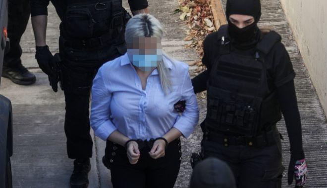 Επίθεση με βιτριόλι: Ένταση μεταξύ των συγγενών της Ιωάννας και της κατηγορούμενης
