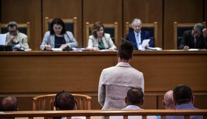 """Δίκη """"Χρυσής Αυγής"""", στην αίθουσα του Εφετείου Αθηνών, Δευτέρα 24 Ιουνίου 2019. Στην φωτό ο Ιωάννης Καζαντζόγλου, στέλεχος  της Χρυσής Αυγής κατηγορούμενος για άμεση συνέργεια στη δολοφονία του 34χρονου Παύλου Φύσσα"""