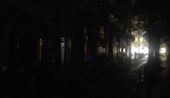 Στο σκοτάδι βυθίστηκε η Θεσσαλονίκη