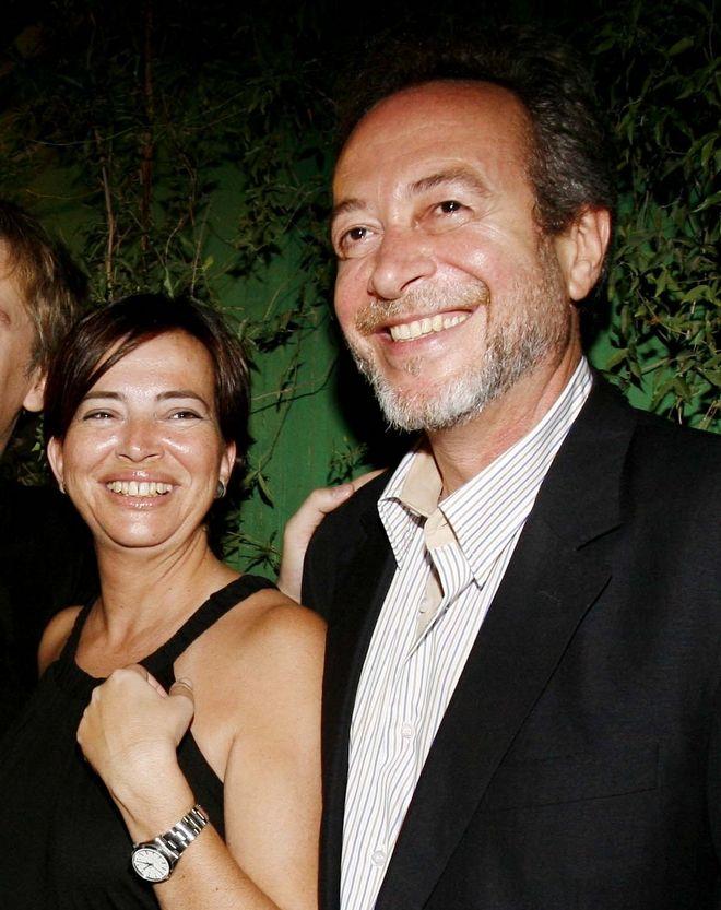 Η Ελένη Κούρκουλα και ο Γρηγόρης Βαλτινός, ηθοποιοί που είχαν πέσει πρώτοι στο τραπέζι για τους πρωταγωνιστικούς ρόλους της σειράς