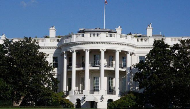 Συμφωνία εμπιστευτικότητας αναγκάστηκαν να υπογράψουν εργαζόμενοι στον Λευκό Οίκο