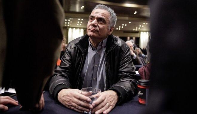 Σκουρλέτης: Καταγγέλλει για τη ΔΕΗ, αλλά θα πειθαρχήσει στην απόφαση του κόμματος