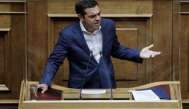 """Στην Βουλή για τη """"μάχη"""" της πρώτης κατοικίας ο Τσίπρας"""