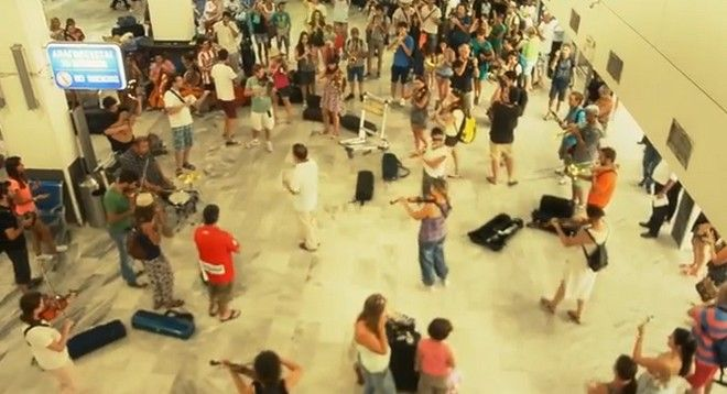 Βίντεο: Flash Mob στο Ηράκλειο και χωρίς τα έξοδα της Κεφαλογιάννη