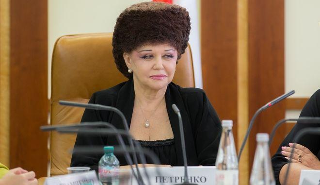 Μαλλί ή καπέλο: Το επικό hairstyle ρωσίδας γερουσιαστή