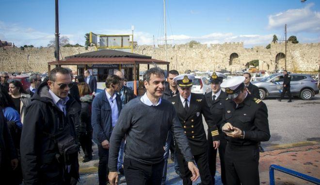 Ο πρόεδρος της Νέας Δημοκρατίας αναχωρεί από το λιμάνι της Ρόδου για την Σύμη, την Τρίτη 6 Μαρτίου 2018. (EUROKINISSI/RODOSPRESS.GR/ΑΡΓΥΡΗΣ ΜΑΝΤΙΚΟΣ)
