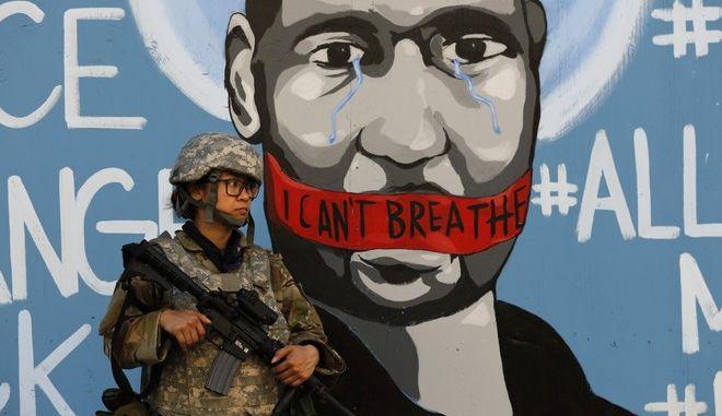 Γκράφιτι προς τιμήν του Τζορτζ Φλόιντ στο Λος Άντζελες