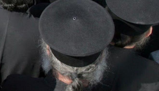 """Βαριές """"καμπάνες"""" σε ιερείς των Φαρσάλων για υπεξαίρεση 930.000 ευρώ"""
