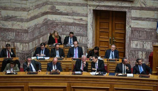 Στιγμιότυπο από τα κυβερνητικά έδρανα