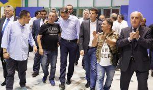 Ο πρόεδρος της ΝΔ Κυριάκος Μητσοτάκης σε συνάντηση με εμπόρους λαϊκών αγορών