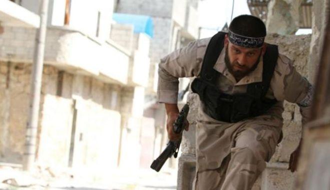 Daily Telegraph: Περίπου οι μισοί από τους Σύρους αντάρτες είναι ακραίοι ισλαμιστές
