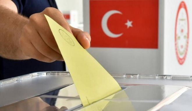 Τουρκία: Κυβέρνηση συνασπισμού ή εκλογές