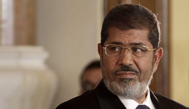 Ο πρώην πρόεδρος της Αιγύπτου Μοχάμεντ Μόρσι σε συνέντευξη Τύπου στο Κάιρο τον Ιούλιο του 2012