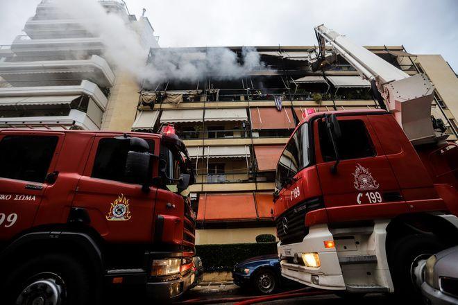 Στο σημείο έσπευσαν 20 πυροσβέστες με 7 οχήματα