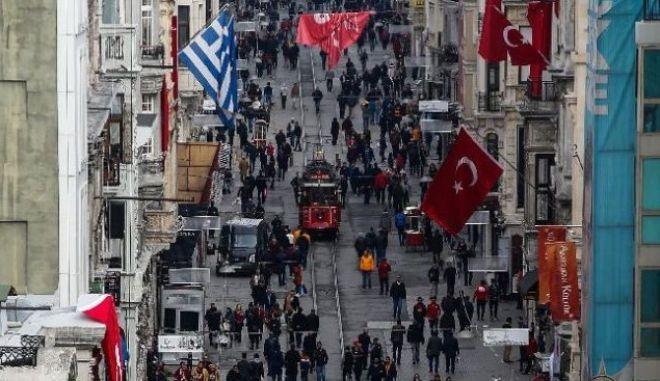 Ανθρωποκυνηγητό στην Τουρκία: Καταζητούν τρεις επίδοξους καμικάζι αυτοκτονίας
