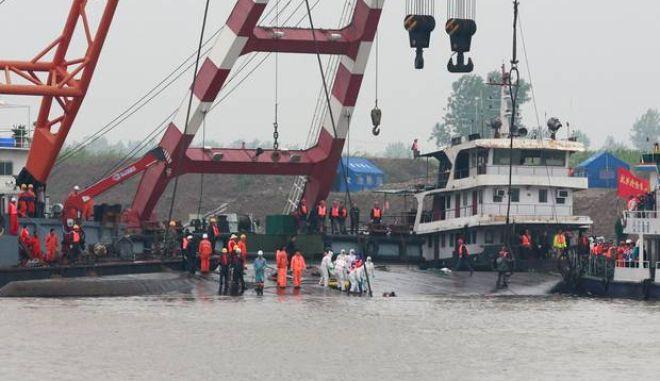 Κίνα: Μόνο δώδεκα άνθρωποι επέζησαν, 442 πνίγηκαν