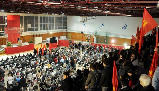 Ο ΓΓ της ΚΕ του ΚΚΕ, Δημήτρης Κουτσούμπας στην ομιλία του στην συγκέντρωση του ΚΚΕ στα Γιάννενα, στο κλειστό γήπεδο Λιμνοπούλας, την Τετάρτη 5 Φεβρουαρίου 2014. (EUROKINISSI)
