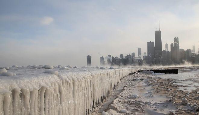 """Φωτογραφίες: Το Σικάγο στην """"κατάψυξη"""""""