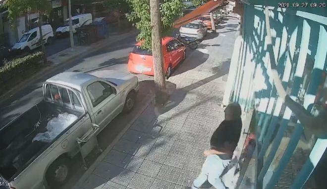 Στιγμιότυπα από τη στιγμή του σεισμού στην Κρήτη.