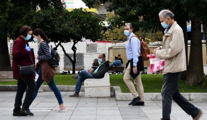 Στιγμιότυπα από το κέντρο της Αθήνας εν μέσω lockdown