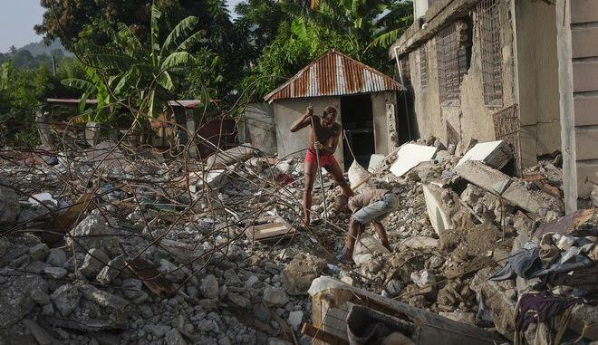 Εικόνα από την Αϊτή μετά τον σεισμό των 7,2 Ρίχτερ