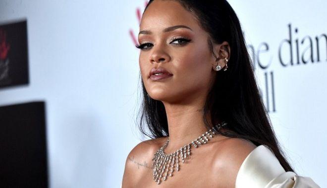 Η έκπληξη που άφησε τη Rihanna με το στόμα ανοιχτό
