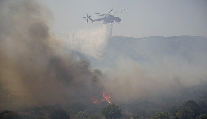 Φωτό αρχείου: Στιγμιότυπο από κατάσβεση πυρκαγιάς στον Υμηττό