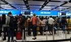 Βρετανοί σε αεροδρόμιο του Λονδίνου