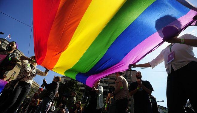 Ισότητα στη Μάλτα: Καταργούνται οι όροι 'μητέρα' και 'πατέρας'
