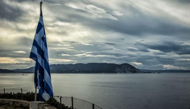 Ελληνική σημαία στη Σκόπελο