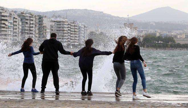 Ισχυροί άνεμοι στη Θεσσαλονίκη