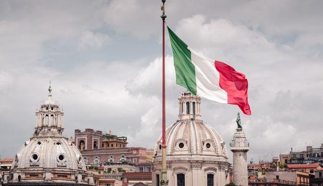 Πιθανότερη η έξοδος της Ιταλίας από την Ευρωζώνη
