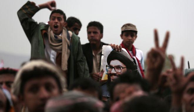 Υεμένη: Μάχες με 2 νεκρούς ανάμεσα στους Χούθι και τις δυνάμεις του Σάλεχ